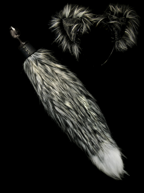 7f3f5e8e92f o.o  Faux Fur Fox Ears and Tails with optional plug tail   .   Fox ...